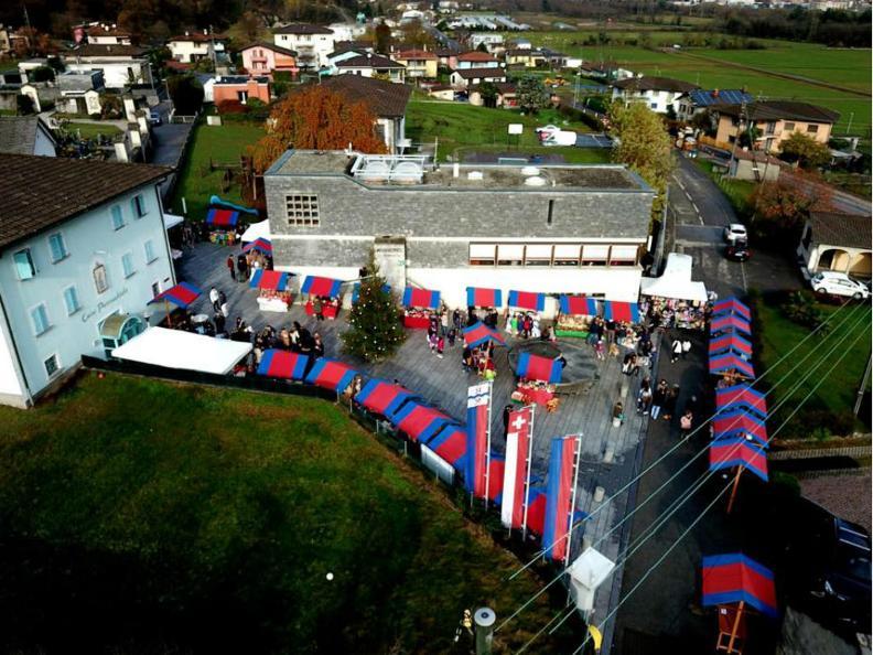 Image 0 - Weihnachtsmarkt von Iragna