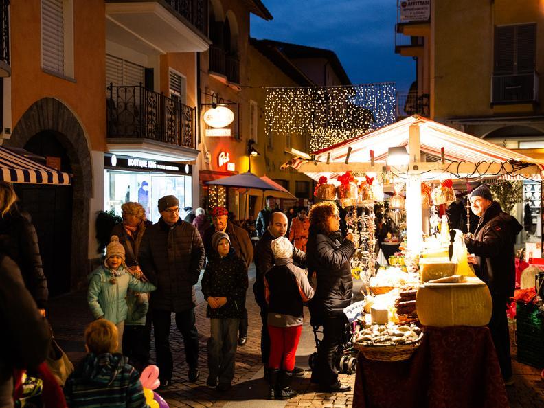 Image 1 - Weihnachtsmarkt Ascona