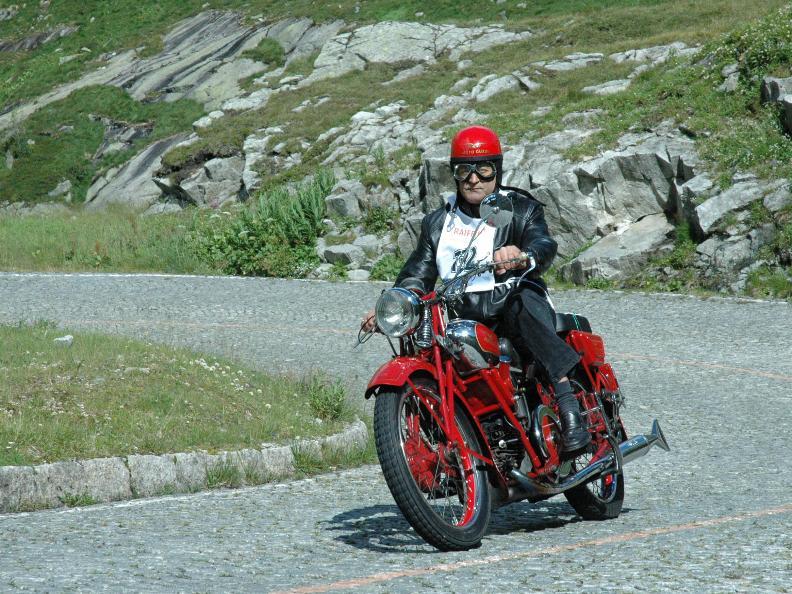 Image 0 - 38. Internationales Motorrad-Treffen der Tremola