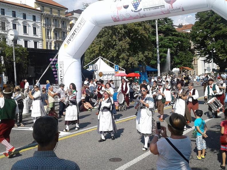 Image 0 - La Bacchica