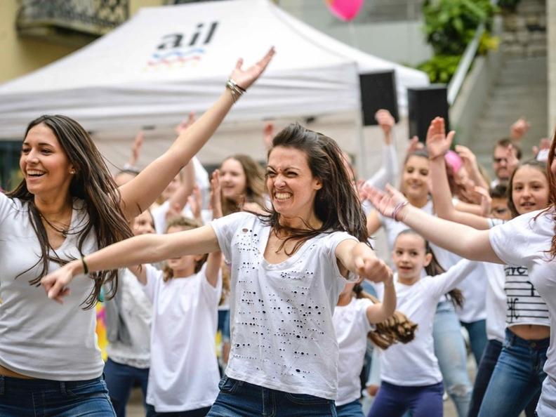 Image 0 - Festa danzante