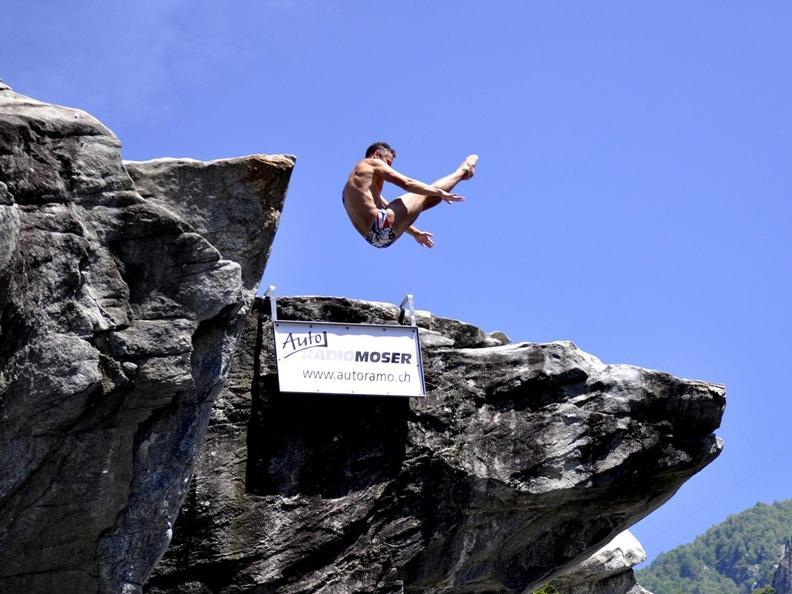 Image 3 - Lugano Cliff Diving