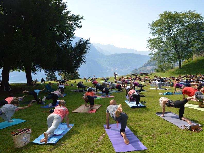 Image 0 - Yoga au parc Tassino