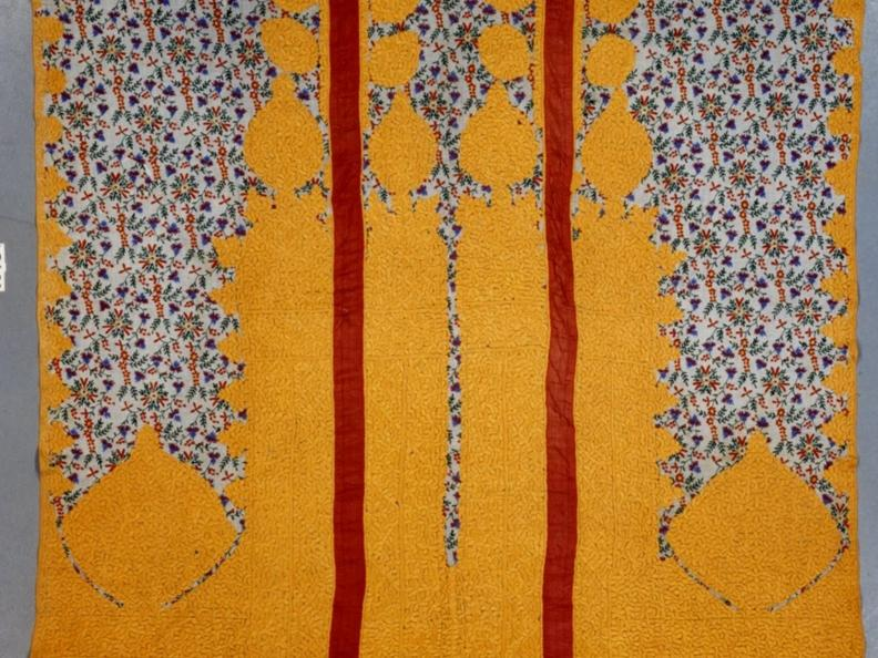Image 3 - Blumen am Strassenrand. Maghreb's textiles from the Korolnik Collection.