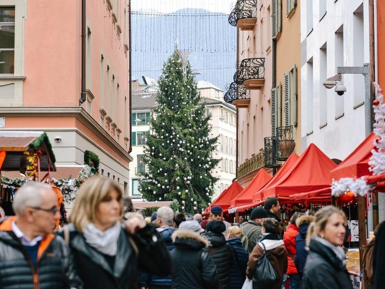 Image 3 - Christmas lights in Lugano