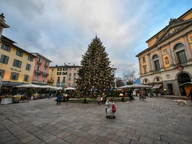 Image 7 - Christmas lights in Lugano