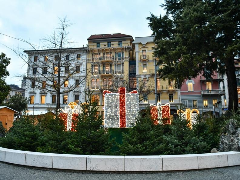 Image 9 - Christmas lights in Lugano