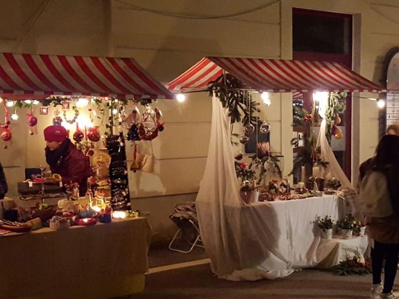 Image 2 - Christmas Market