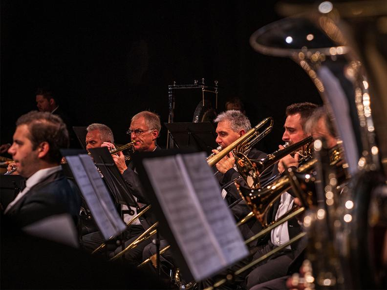 Image 0 - Motown metal - The brass and percussion of the ofsi in concert