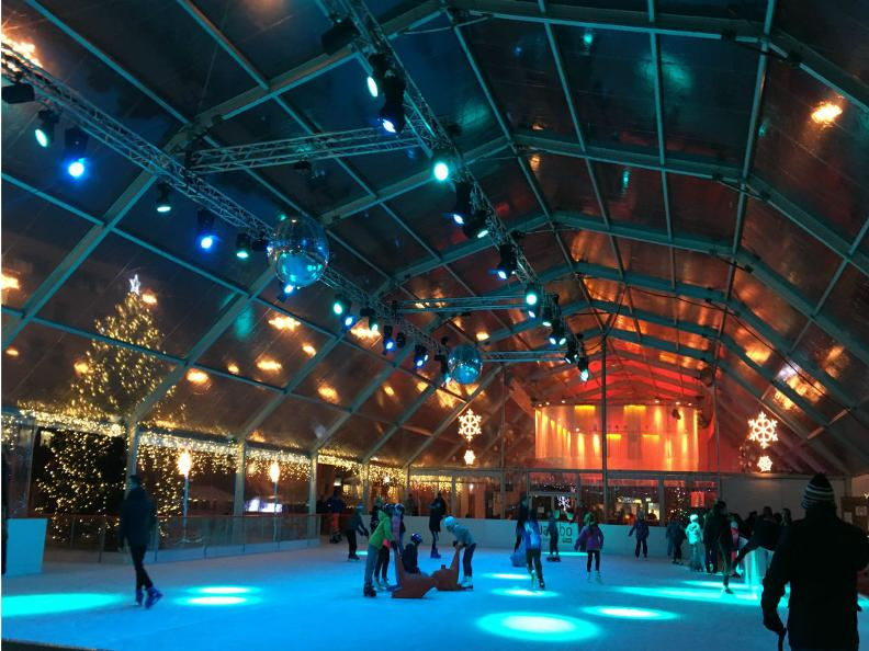 Image 1 - Patinoire couverte en Piazza del Sole