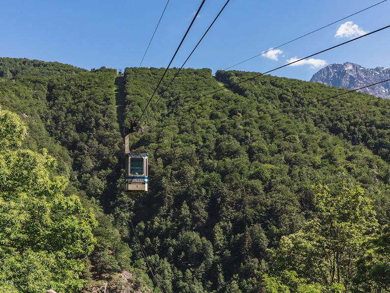 Image 1 - Cable-car Verdasio-Rasa