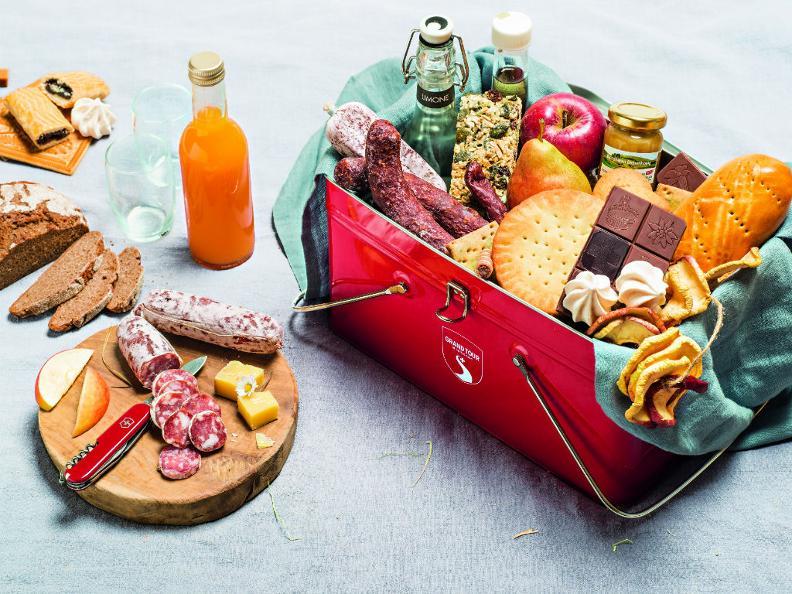 Image 0 - The Grand Tour Snack-Box