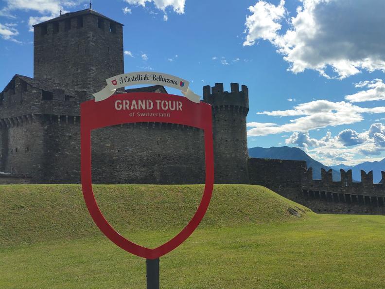 Image 2 - The Grand Tour Snack-Box