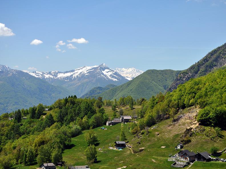 Image 2 - Téléphérique Verdasio-Monte  Comino