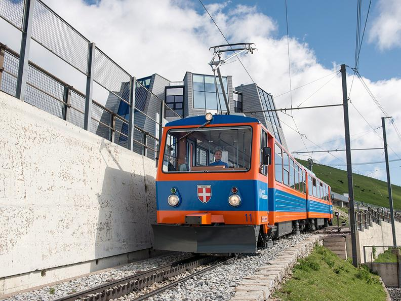 Image 2 - Discover the Cog railway Monte Generoso with Morsetta