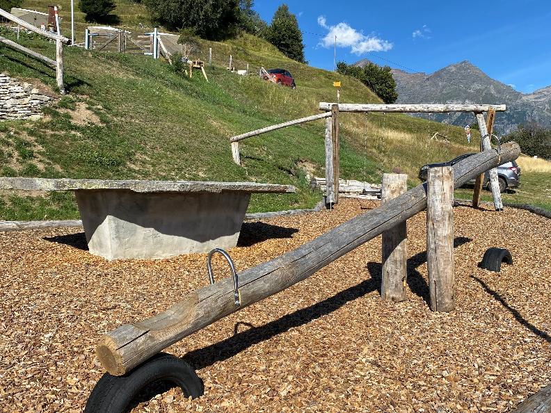 Image 2 - Playground Dagro