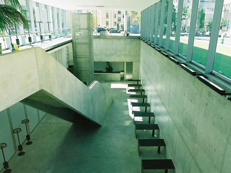 Image 5 - Visit the Università della Svizzera Italiana