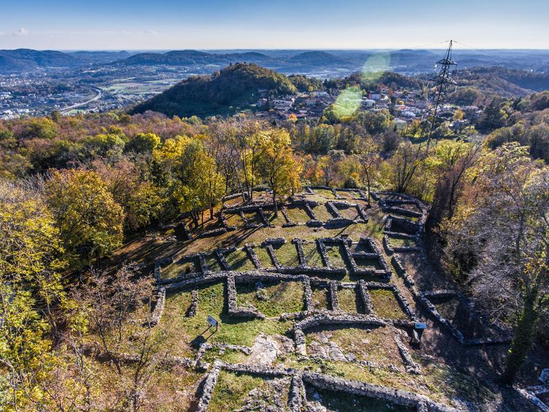 Image 3 - Parco archeologico a Tremona – Castello