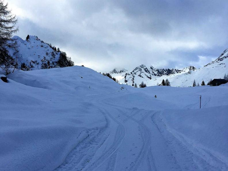 Image 2 - Snowshoe Trails Airolo-Pesciüm
