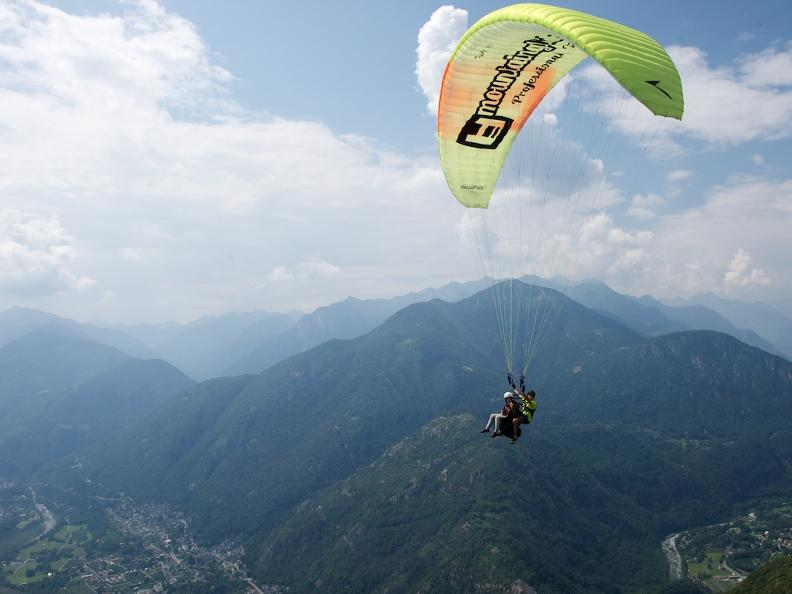 Image 0 - Mountaingliders, tandem paragliding in Ticino