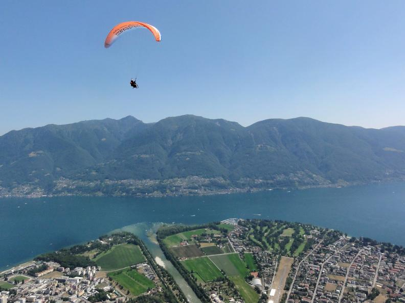 Image 3 - Mountaingliders, tandem paragliding in Ticino