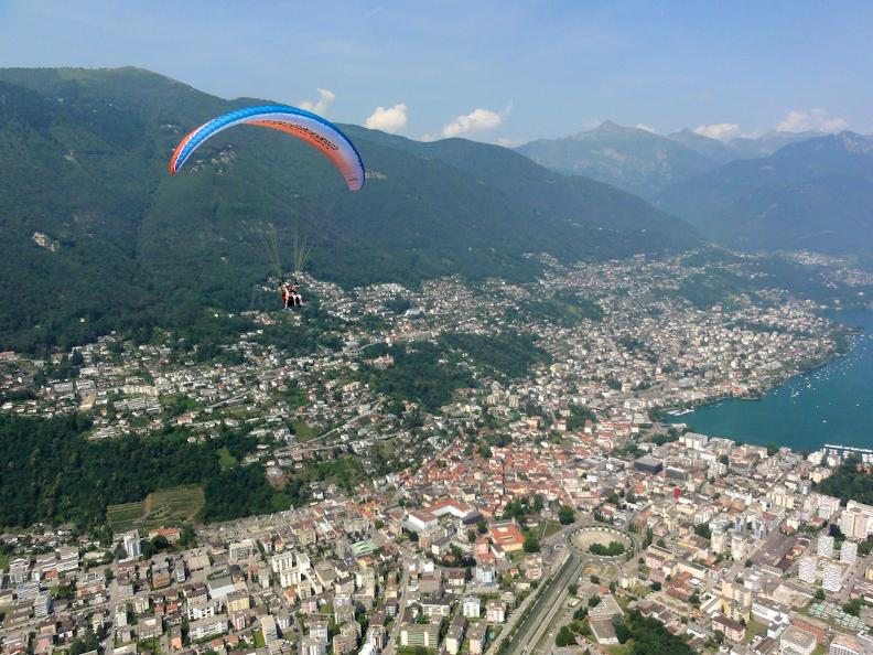 Image 1 - Mountaingliders, tandem paragliding in Ticino