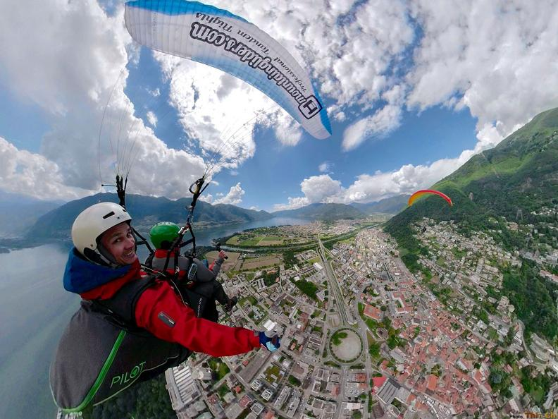 Image 6 - Mountaingliders - Paragliding Flights with Professional Tandem Pilots
