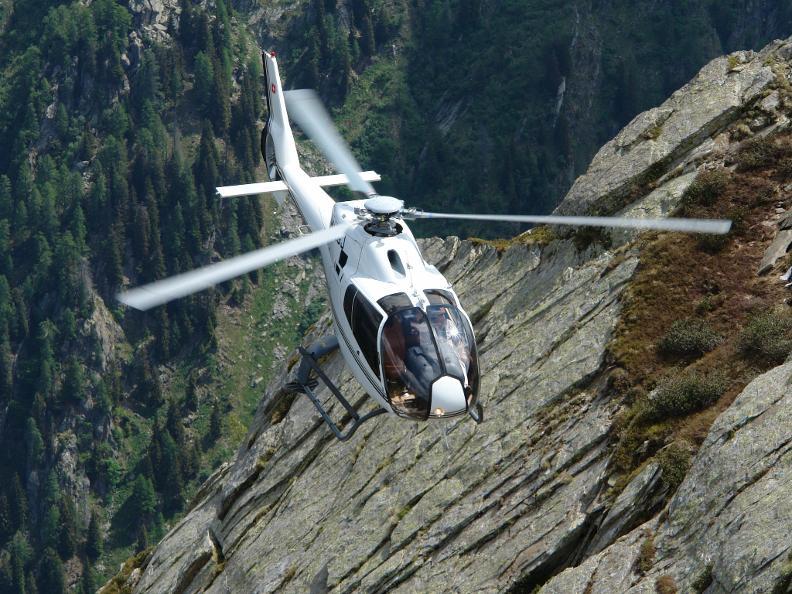 Image 1 - AIR-EVOLUTION LTD - Vols en hélicoptère