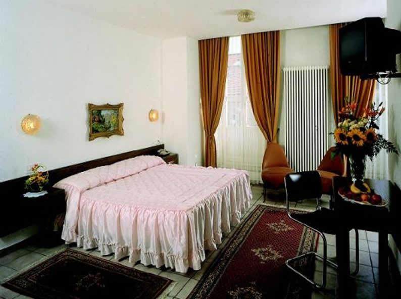 Image 2 - Hotel Dell'Angelo ***, Locarno