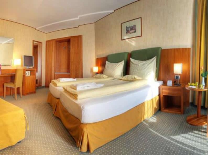 Image 1 - Hotel Delfino ***S, Lugano