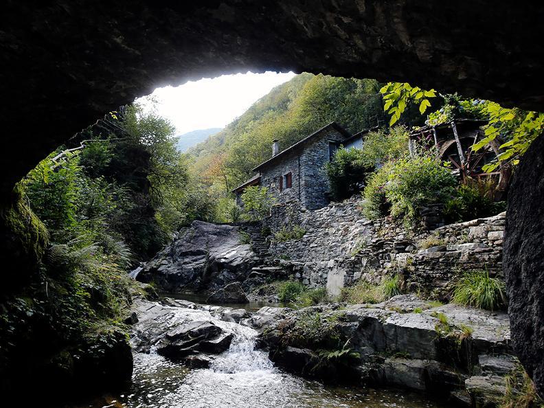 Image 8 - Vacanze a piedi: Sentiero Verzasca & Centovalli