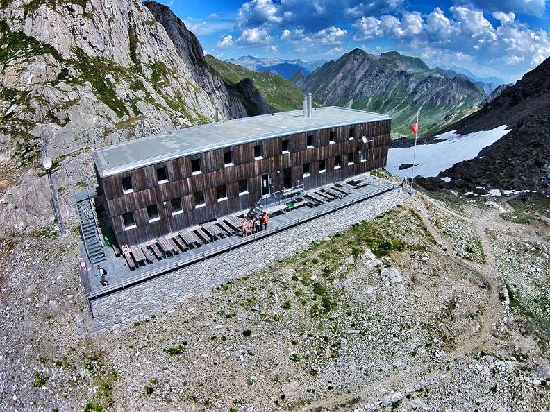 Image 0 - Vacances randonnée: Sentiero Cristallina