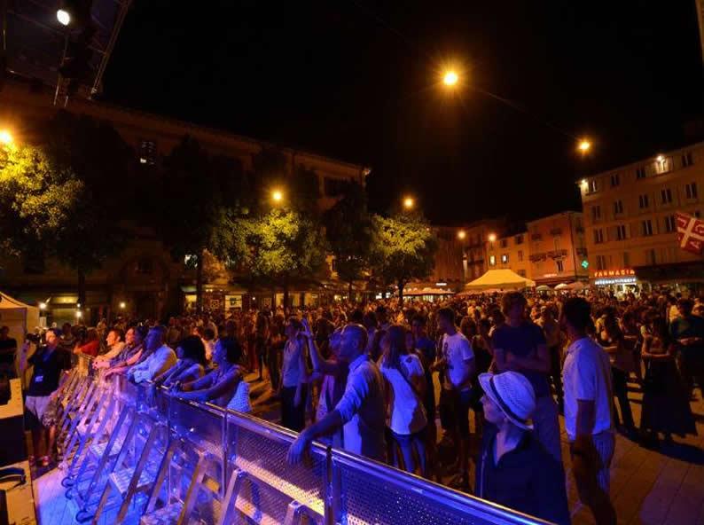 Image 0 - LongLake Festival