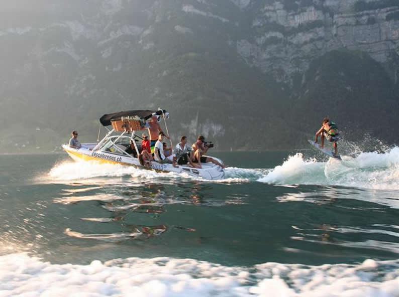Image 0 - Wakesurfing & Wakeboarding Tessin