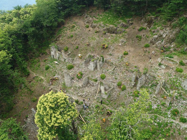 Image 6 - Rovine del villaggio di Prada