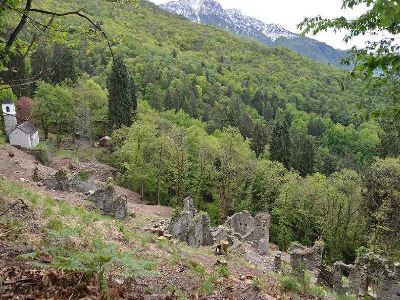 Image 3 - Rovine del villaggio di Prada