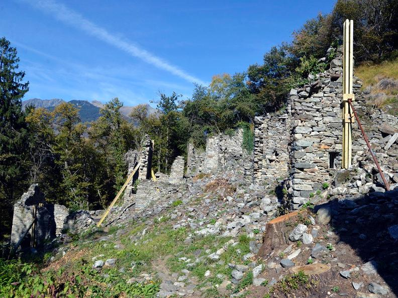 Image 3 - The ruins of the Prada's village