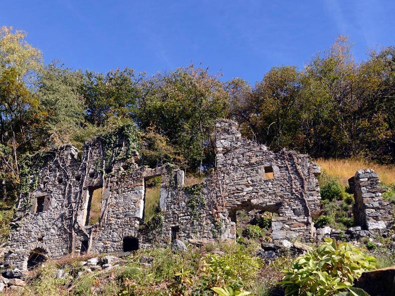 Image 4 - Rovine del villaggio di Prada
