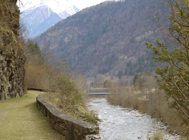 Image 0 - Sentiero storico della bassa e media Valle di Blenio