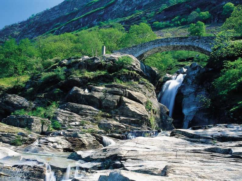 Image 1 - Les cascades de Santa Petronilla