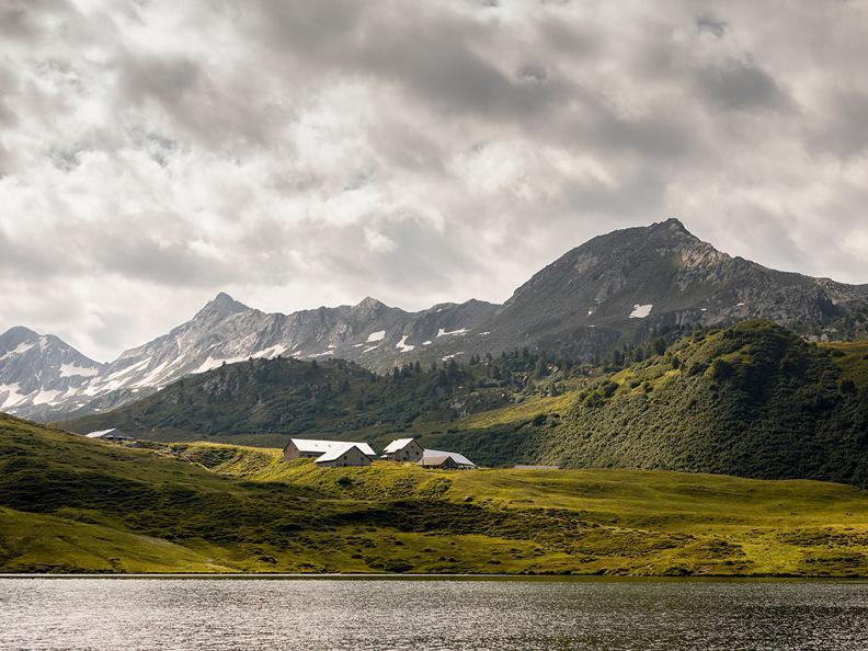 Image 0 - Lake Cadagno