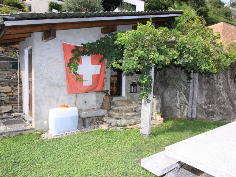 Image 0 - Azienda Vitivinicola I Fracc