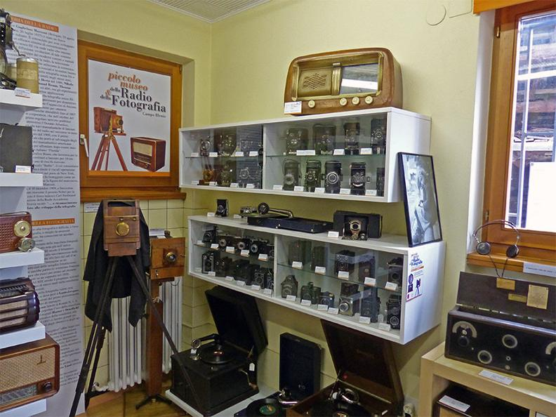 Image 0 - Piccolo Museo della Radio e della Fotografia