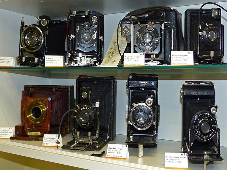 Image 2 - Piccolo Museo della Radio e della Fotografia