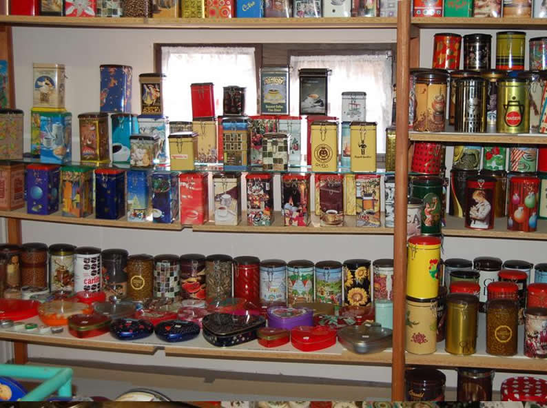 Image 1 - Small museum of tin boxes
