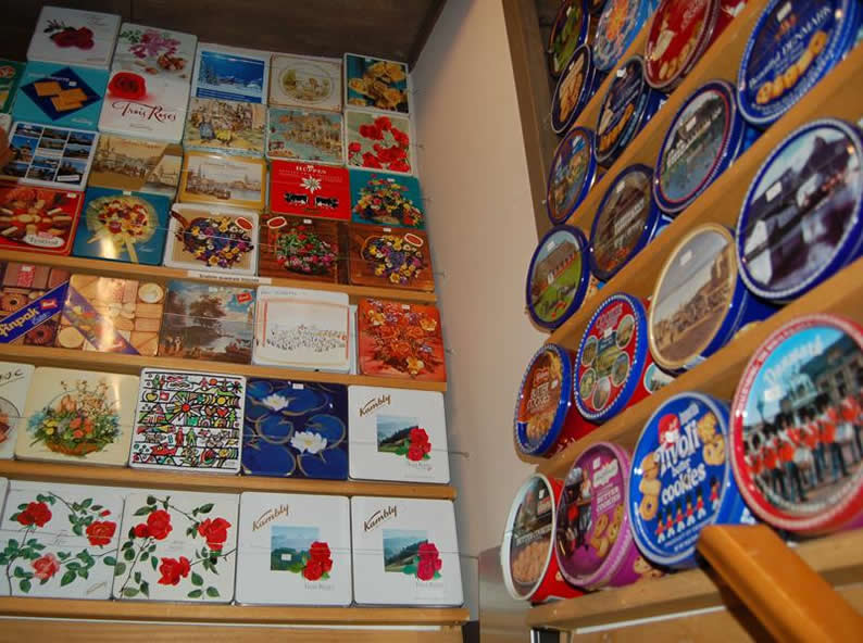 Image 2 - Small museum of tin boxes