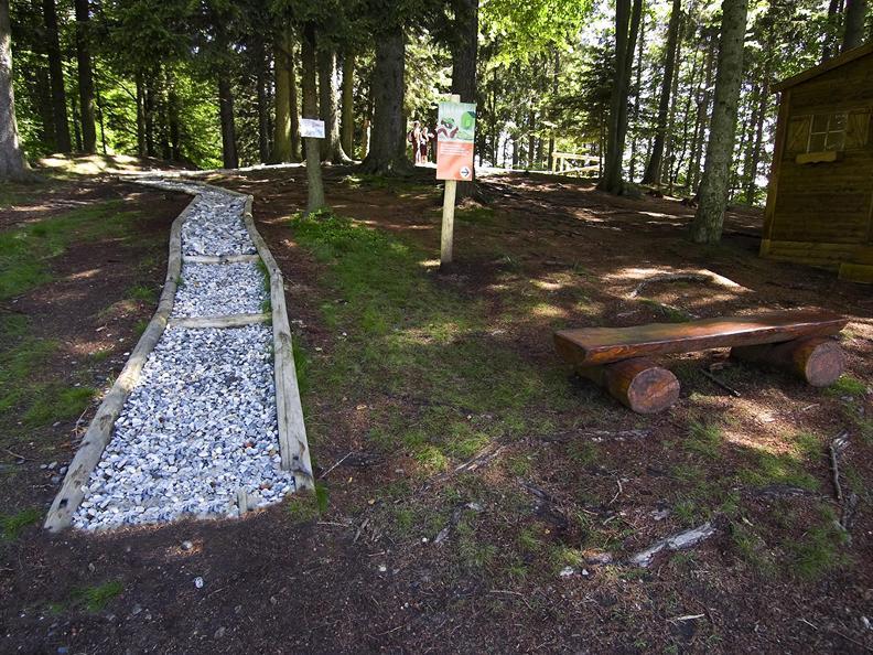 Image 2 - Parc de jeux Arca di Noè, Locarno-Cardada