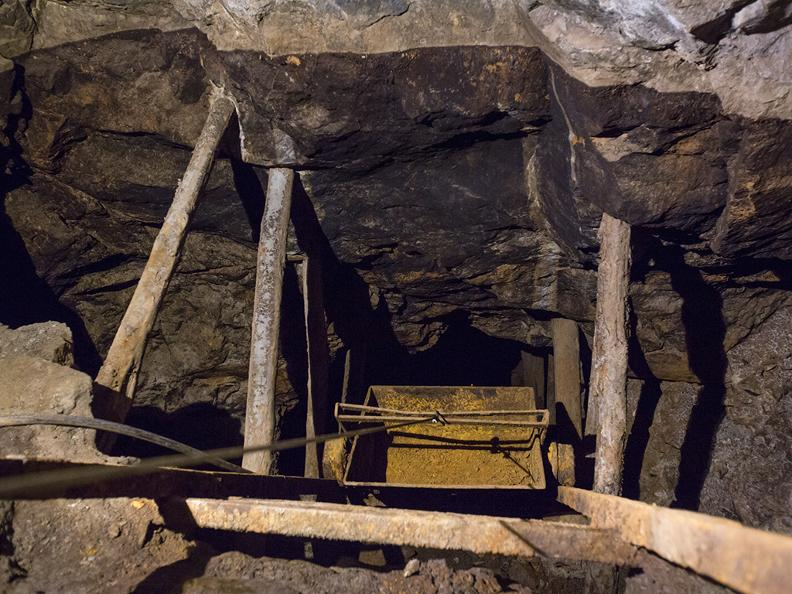Image 1 - Sessa gold mine