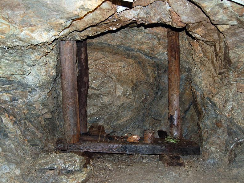 Image 2 - Sessa gold mine