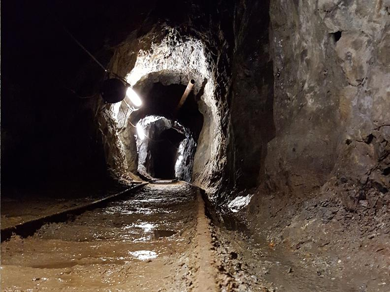 Image 3 - Sessa gold mine